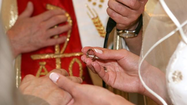 Catholic-wedding-650px