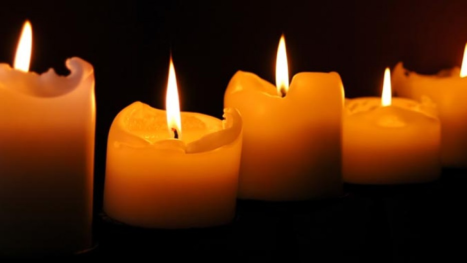 burning_candles-29311